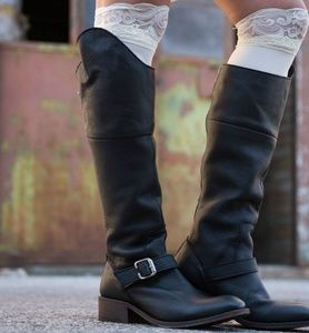 Independent boot Co black slouchy leather moto 8